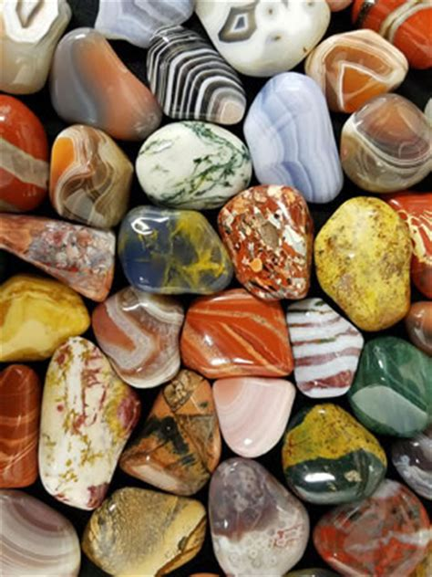 what color is agate the difference between agate jasper and chalcedony