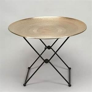 Table Basse Ronde Aluminium : pour ceux qui aiment le style oriental en d co table basse ronde plateau en aluminium martel ~ Teatrodelosmanantiales.com Idées de Décoration