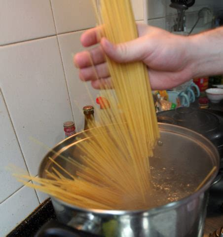 make spaghetti whole wheat pasta another diabetic friendly meal idea the food and cooking guide