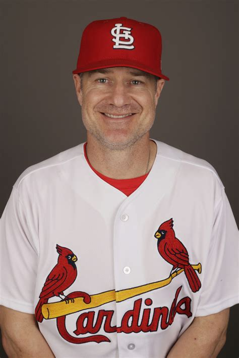 infielder david bell hired  cincinnati reds