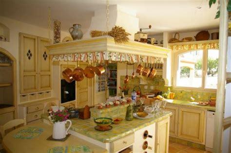 belles cuisines traditionnelles idee deco cuisine