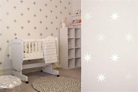 papier peint chambre bébé fille papiers peints célestes pour une chambre d 39 enfant
