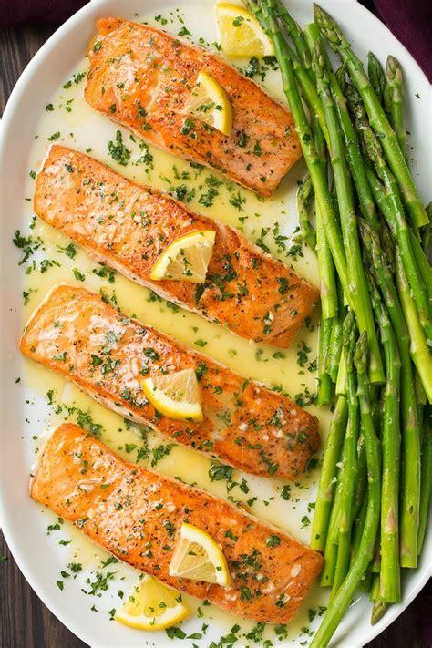Recetë: Salmon dhe asparag me salcë limoni-hudhre-gjalpi ...