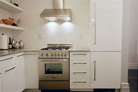 white slab kitchen cabinet doors 16 best images about cabinets on pinterest shaker