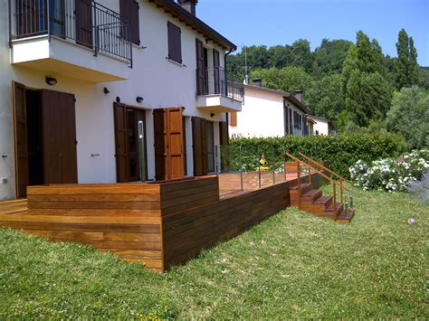 rivestimenti esterni in legno scale in legno per esterni ei43 187 regardsdefemmes