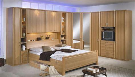 chambre a coucher en coin armoires de rangement placards dressing placard et
