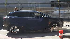 3008 2 : scoop premi re photo vol e de la peugeot 3008 ii sans camouflage news f line ~ Gottalentnigeria.com Avis de Voitures