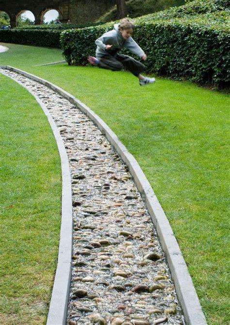 lawn edging ideas   transform  garden