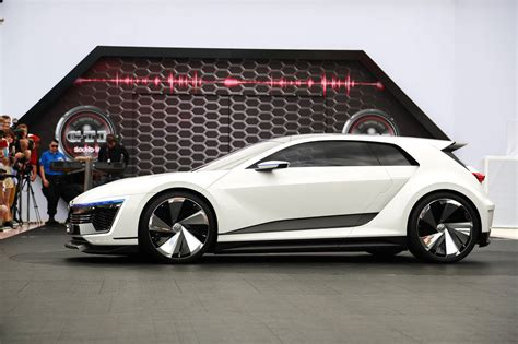 Volkswagen Golf Gte Sport Concept Makes American Debut At