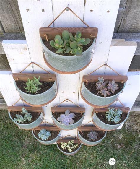 vertical planter ideas 602 best ideas about vertical gardens on pinterest green walls succulent wall and vertical