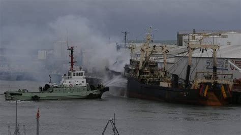 Fishing Boat Fire Nz by Fire On Fishing Boat Sees Timaru Port Operations Suspended