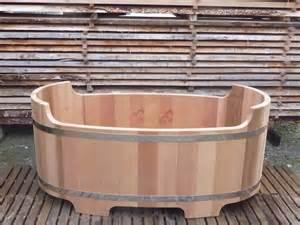 Baignoire Exterieure Chauffage Bois baignoire en bois fabriqu 233 e en france o biozz