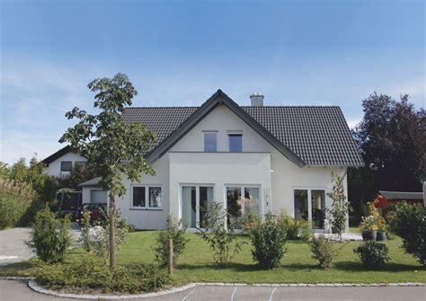 """Einfamilienhaus """"elegant"""" Mit Satteldach Und Widerkehr"""
