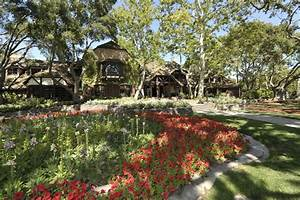 Neverland Ranch For Sale: Photos That Give An Inside Look ...