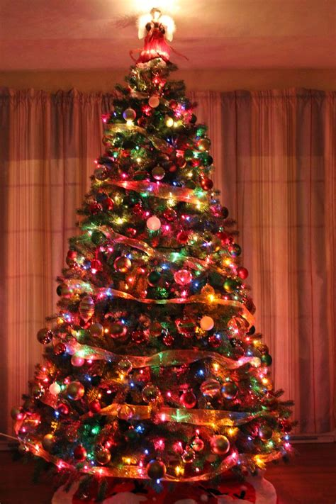 colored light christmas tree decorating ideas traditional tree holidays tree decorations colorful