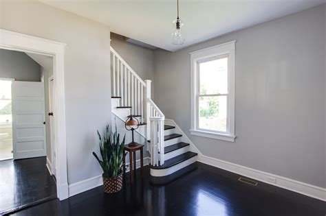 the best wall color for dark hardwood floors options