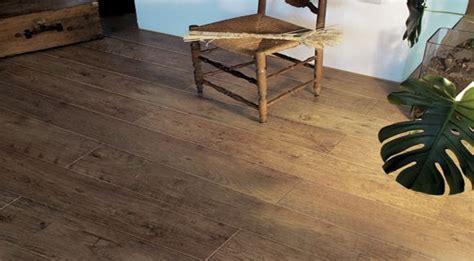 Laminate Flooring- Pictures Please?!