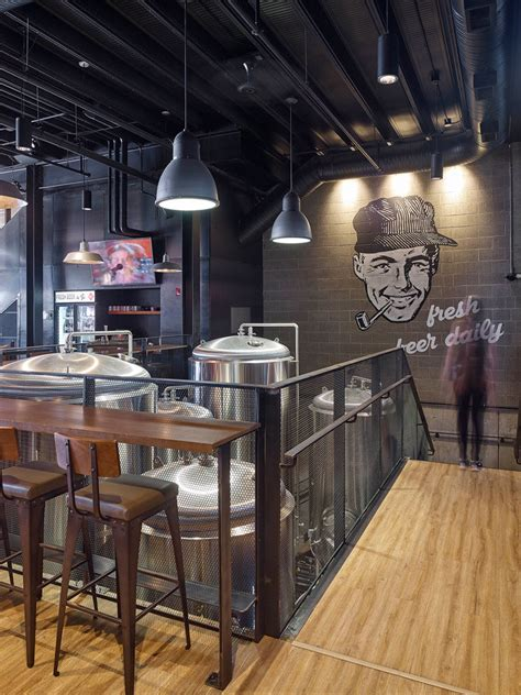 restaurant  brewery  full  industrial touches
