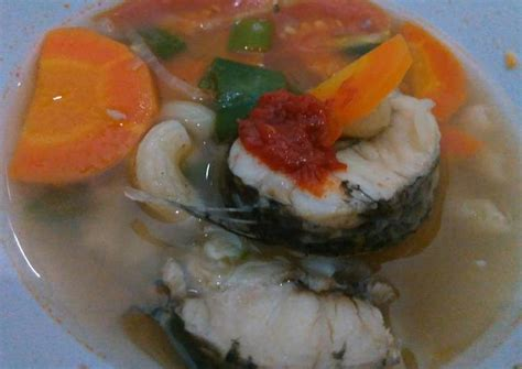 Ikan gabus pucung merupakan salah satu makanan berkuah yang mempunyai aroma yang sangat sedap dan pastinya nikmat. Resep Sop ikan gabus (haruan) oleh Princessnana's - Cookpad