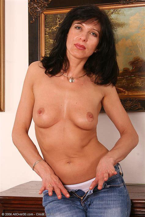 Simona Brunet Lady Gets Naked