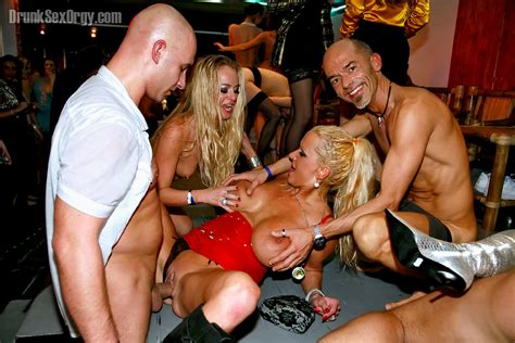 Set Amy And Dorina Golden And Fione Absolut And Anita Heat