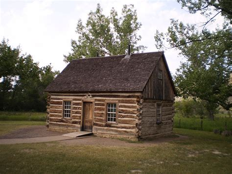 cabins for in theodore roosevelt s maltese cross cabin