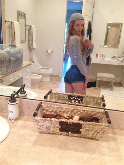 Bella Thorne Topless Leaked Photos