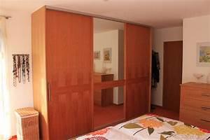 Glasschiebetür Mit Spiegel : edler kirschholz schrank mit modernen gleitschiebet ren ~ Sanjose-hotels-ca.com Haus und Dekorationen