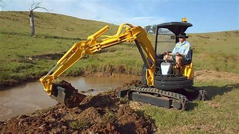 dig   mini excavator komatsu pcuu  youtube