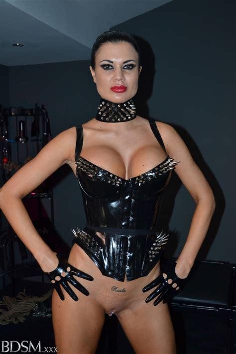 Pervert Brunette Mistress In A Latex Body Flogging Bond ...