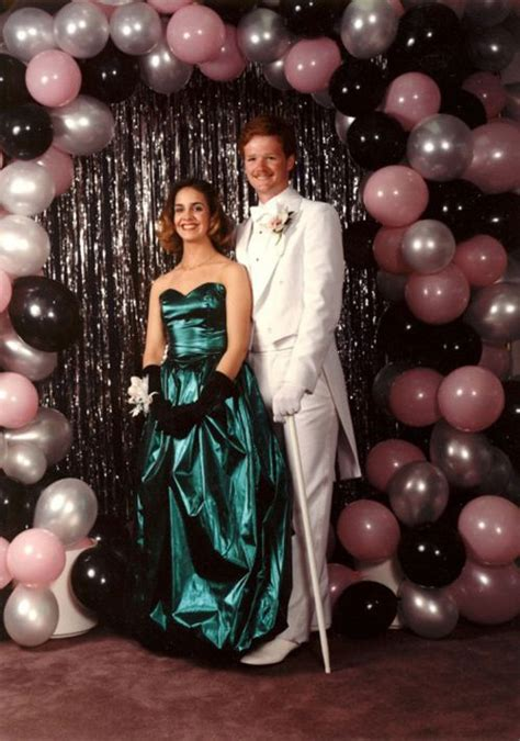 ridiculous  prom  balloon arch backdrop ideas  prom pictures