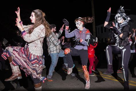 Portsmouth Nh Halloween Parade 2015 Pictures by The Portsmouth Halloween Parade