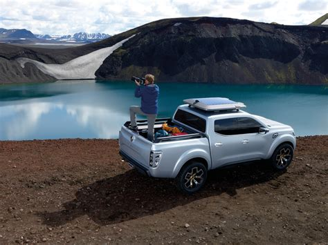renault  unveil  alaskan pickup truck  june