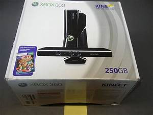 ***XBOX 360 KINECT 250 GB WITH INSERTS, BOOKLET, AND EMPTY ...