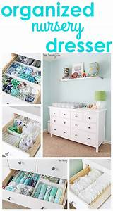 Kinderzimmer Für Zwillinge : nursery dresser organization baby pinterest baby kinderzimmer und baby kleiderschrank ~ Markanthonyermac.com Haus und Dekorationen