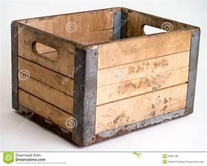 Caisse En Bois : caisse en bois de laiterie au dessus de blanc photo stock ~ Nature-et-papiers.com Idées de Décoration