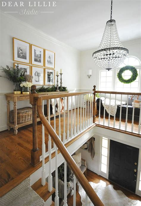 Ideas For Upstairs Landing by Best 25 Upstairs Hallway Ideas On Banister