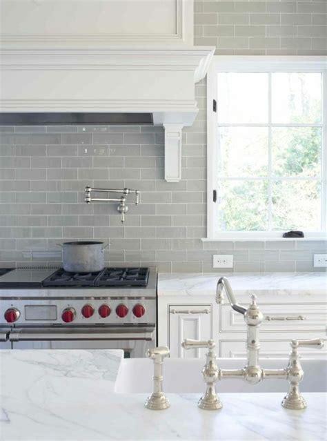 Fliesenspiegel Küche Modern by K 252 Chenr 252 Ckwand Aus Glas Der Moderne Fliesenspiegel Sieht