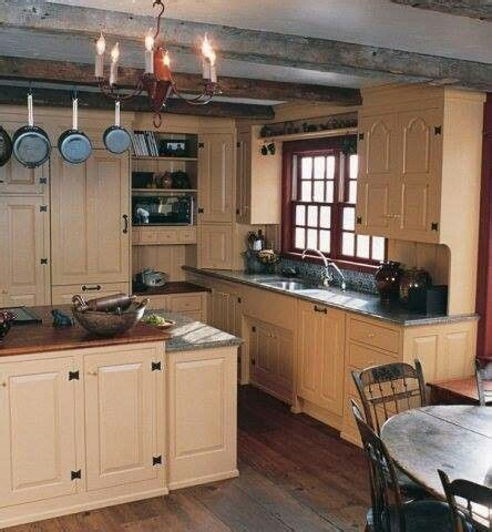 colonial style kitchen cabinets best 25 colonial kitchen ideas on country 5533