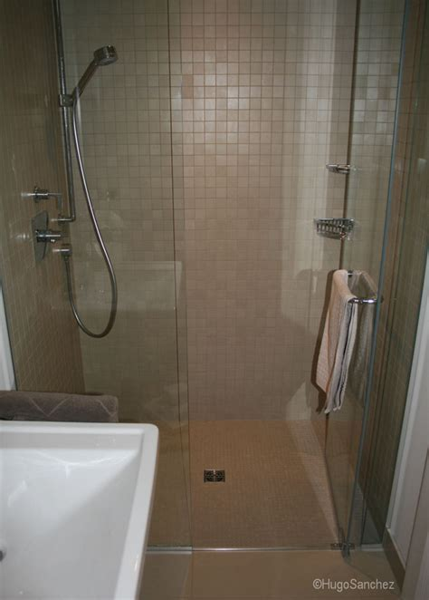 Basement curbless shower   Céramiques Hugo Sanchez Inc