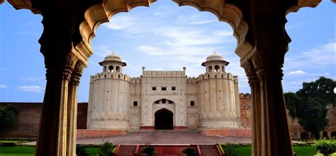 Lahore, Pakistan Travel Guide - Travel Company