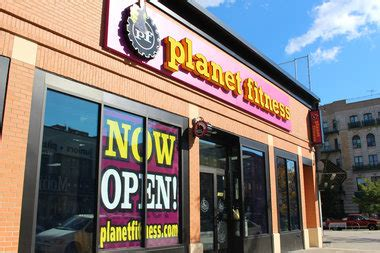 planet fitness bed stuy planet fitness opens on fulton with 10 monthly fee