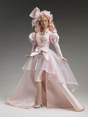 tonner glinda ambassador  pink doll wizard  oz nrfb