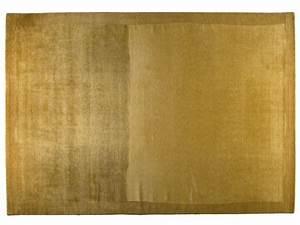 Golran e l imbarazzo di Aladino tra tappeti persiani e