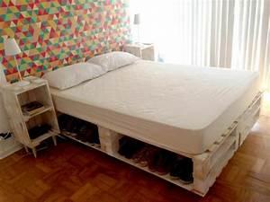 Lit En Palette Avec Rangement : comment faire un lit en palette 52 id es ne pas manquer ~ Melissatoandfro.com Idées de Décoration