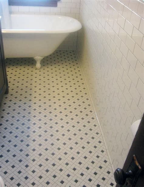 Bathroom Floor Tiles by Mosaic Floor Tile And Clawfoot Tub Classic Yet Simple