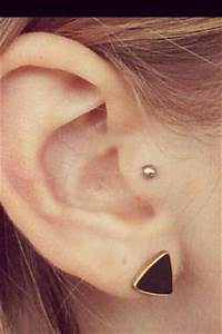 Prix D Un Piercing Au Nez : piercing tragus oreille id es de tatouages et piercings ~ Medecine-chirurgie-esthetiques.com Avis de Voitures