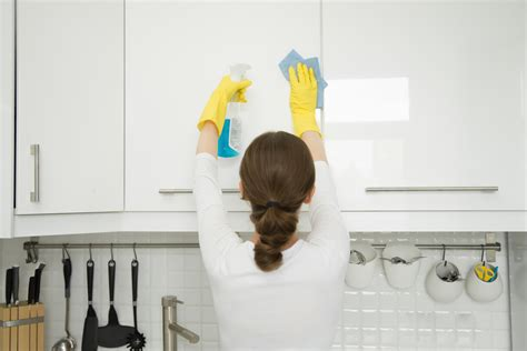 How To Clean Grease Buildup On Kitchen Cabinets by How To Clean Kitchen Cabinet Doors Taste Of Home