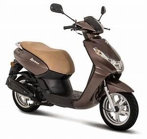 A Quel Age Peut On Conduire Une Moto 50cc : conduire scooter 50 sans permis moto plein phare ~ Medecine-chirurgie-esthetiques.com Avis de Voitures
