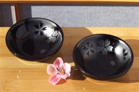 canapé orientale canap sauce sushi condiment dishes black silver cherry